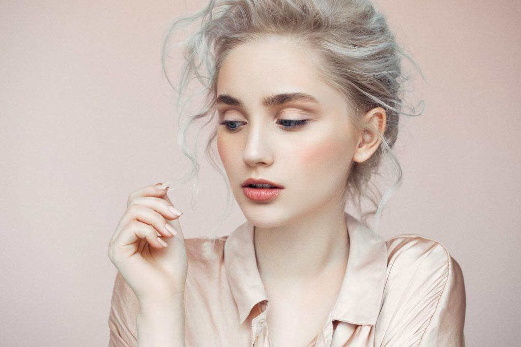 hairstyles for greasy hair teased roots bun