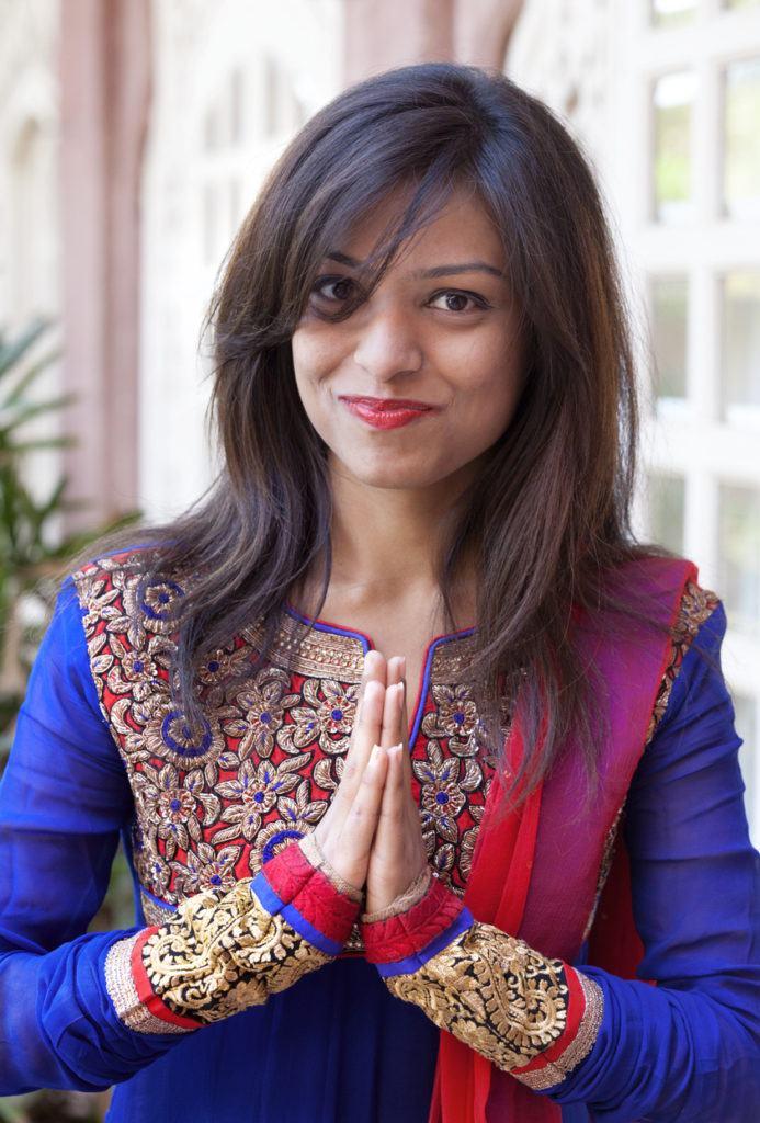 indian wedding hairstyles side curtain bangs