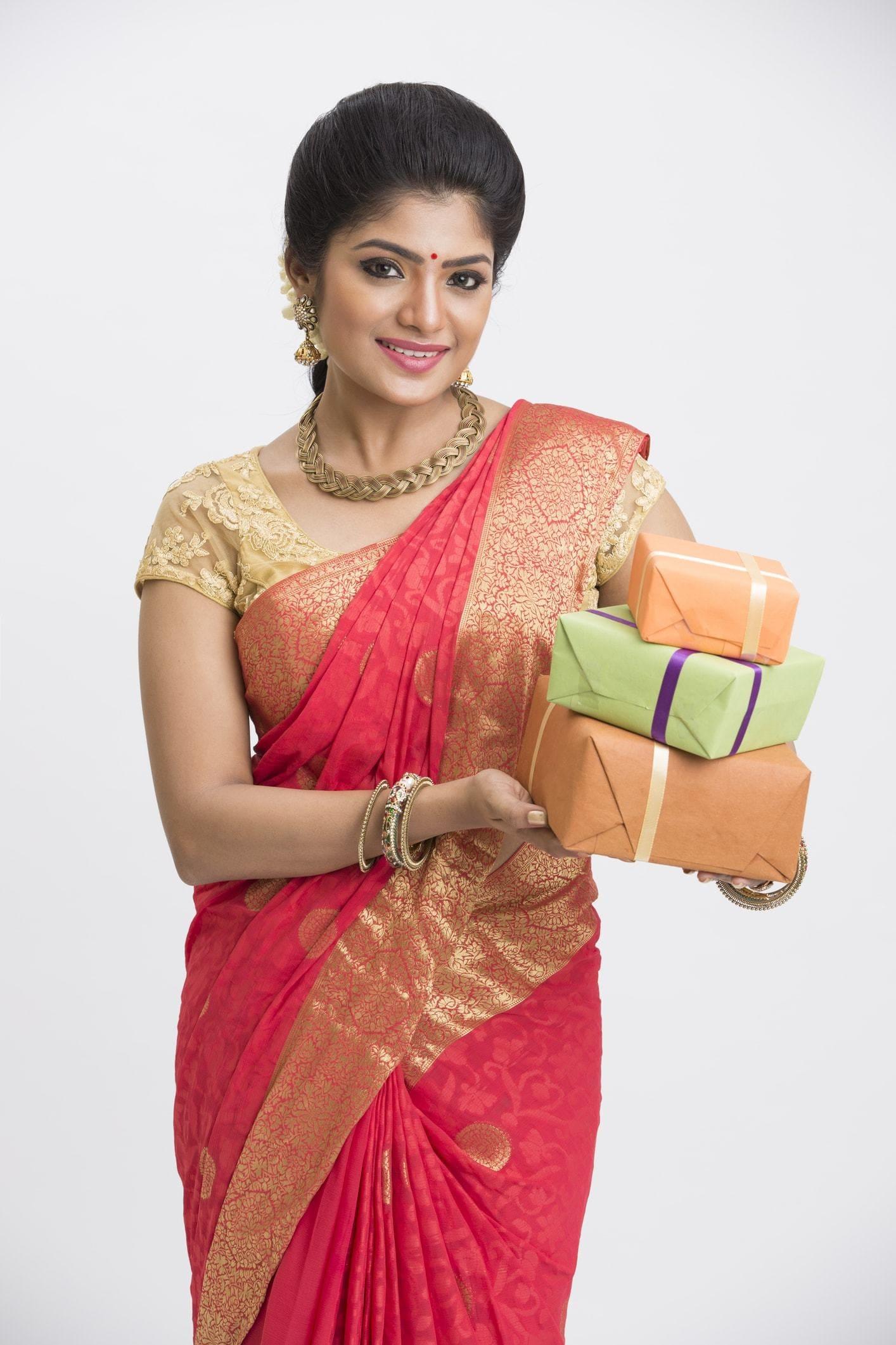 indian-wedding-hairstyles-voluminous-updo