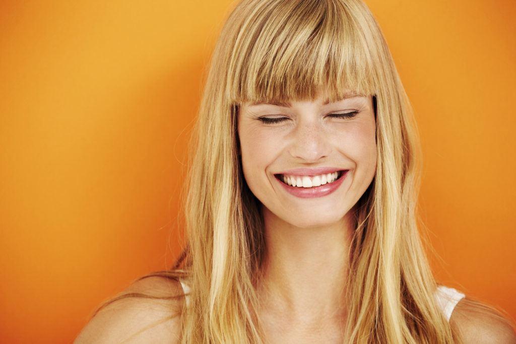 hairstyles for long blonde hair blunt bangs