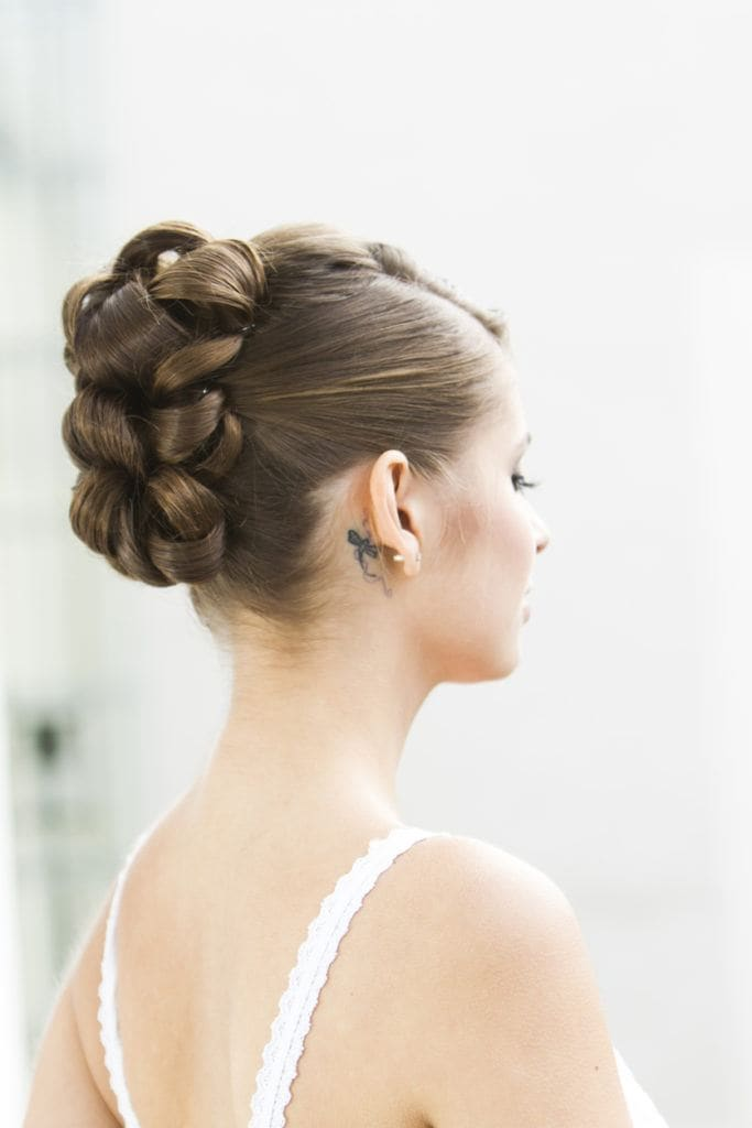 12 Elegant Prom Updos For Long Hair