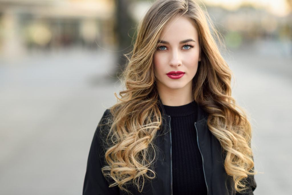 hairstyles for long blonde hair side swept bangs
