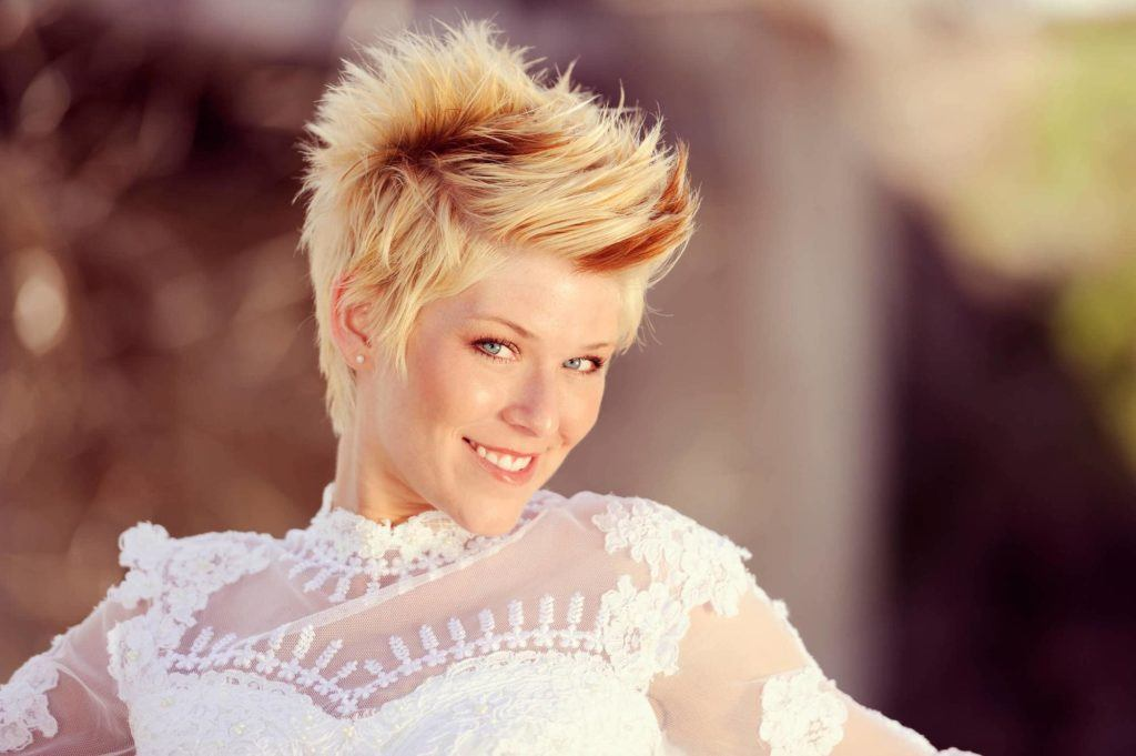 14 side swept hairstyles to try now and later side swept bangs solutioingenieria Choice Image