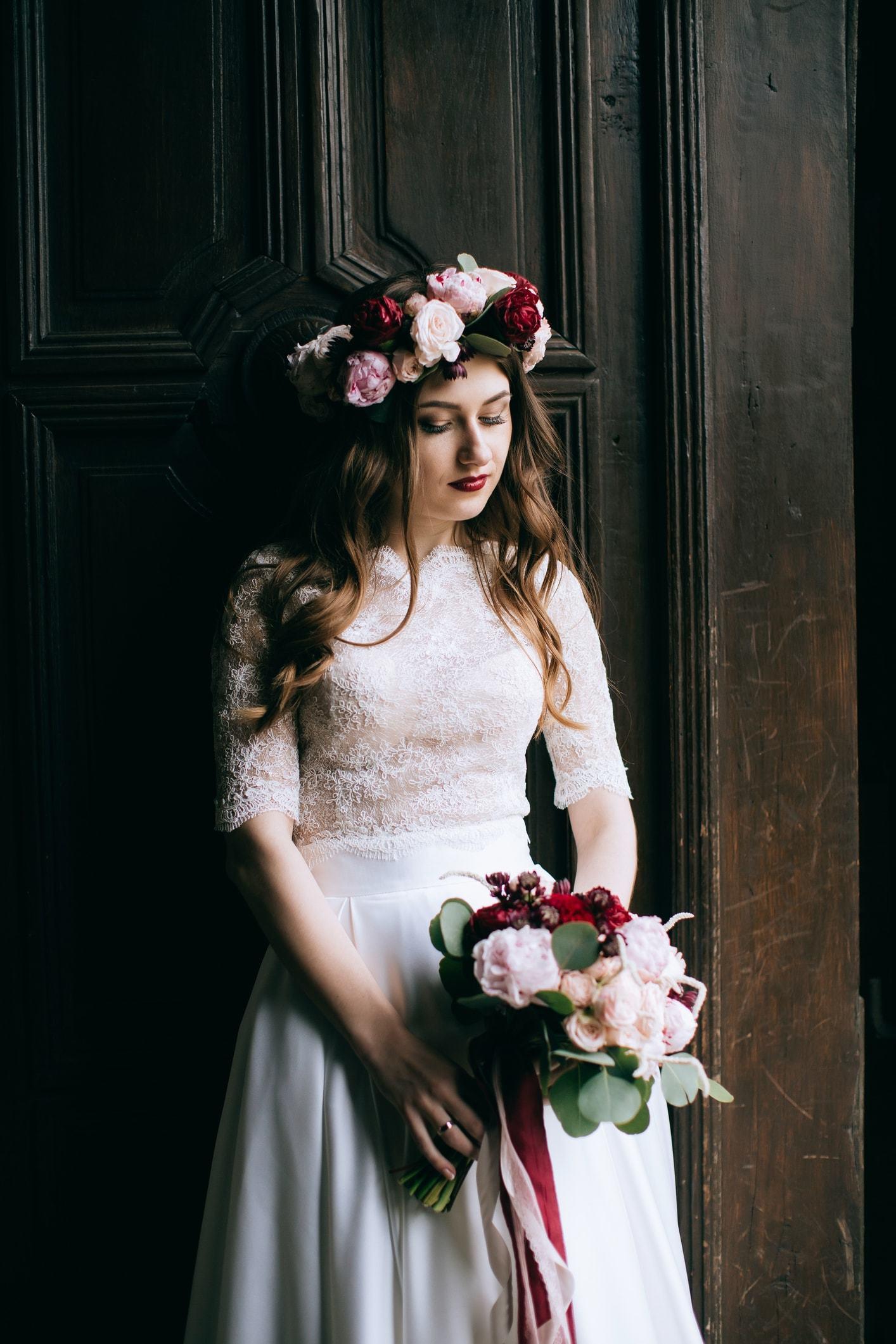 Wedding hair down with flower crown flowers healthy wedding hairstyles down brunette oversized flower crown izmirmasajfo