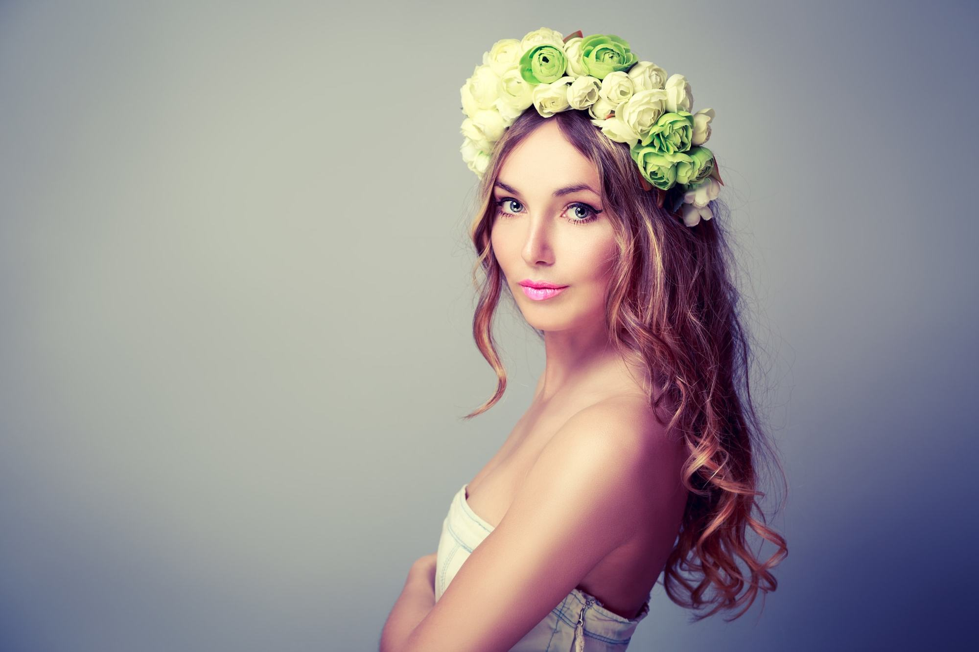 Wedding hairstyles down 14 beautiful ways to wear your hair loose wedding hairstyles down loose curls flower crown junglespirit