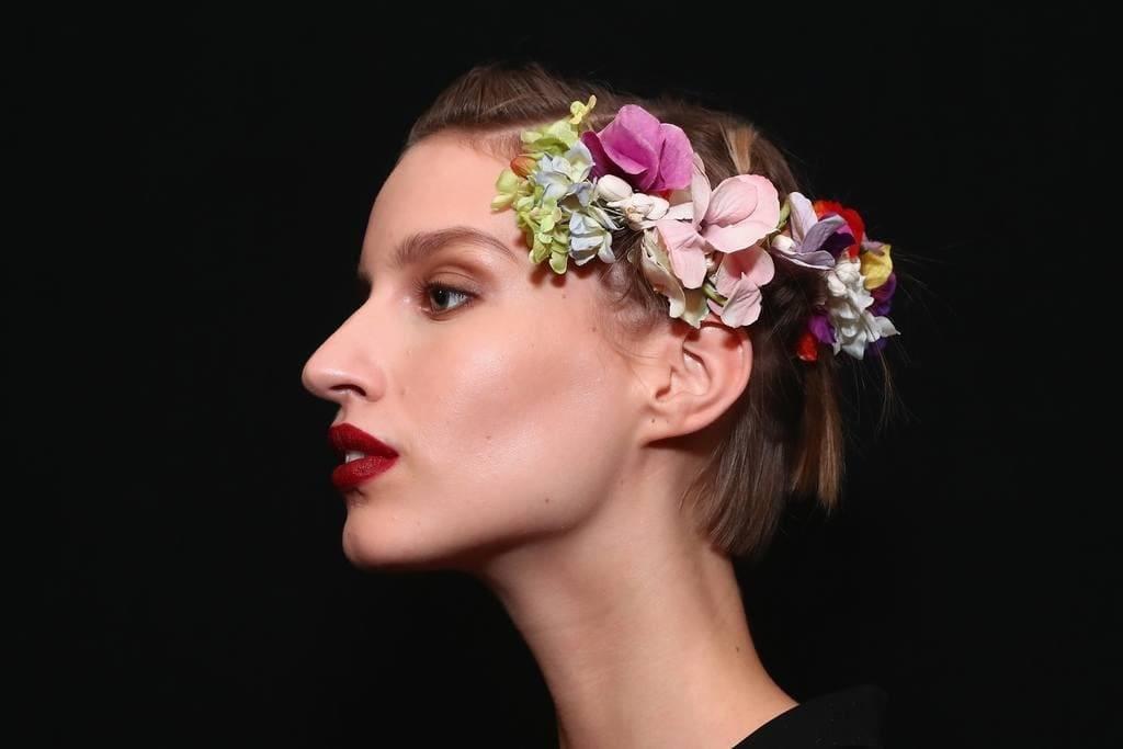 elegant hairstyles for short hair flower comb