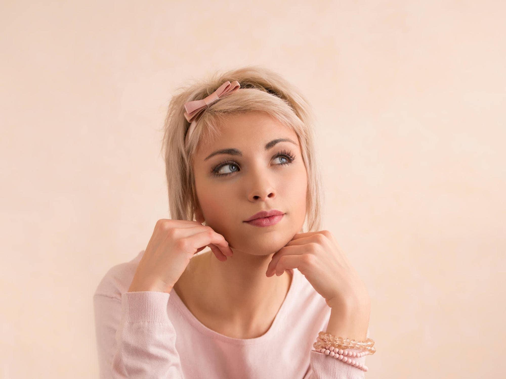 elegant hairstyles for short hair headband