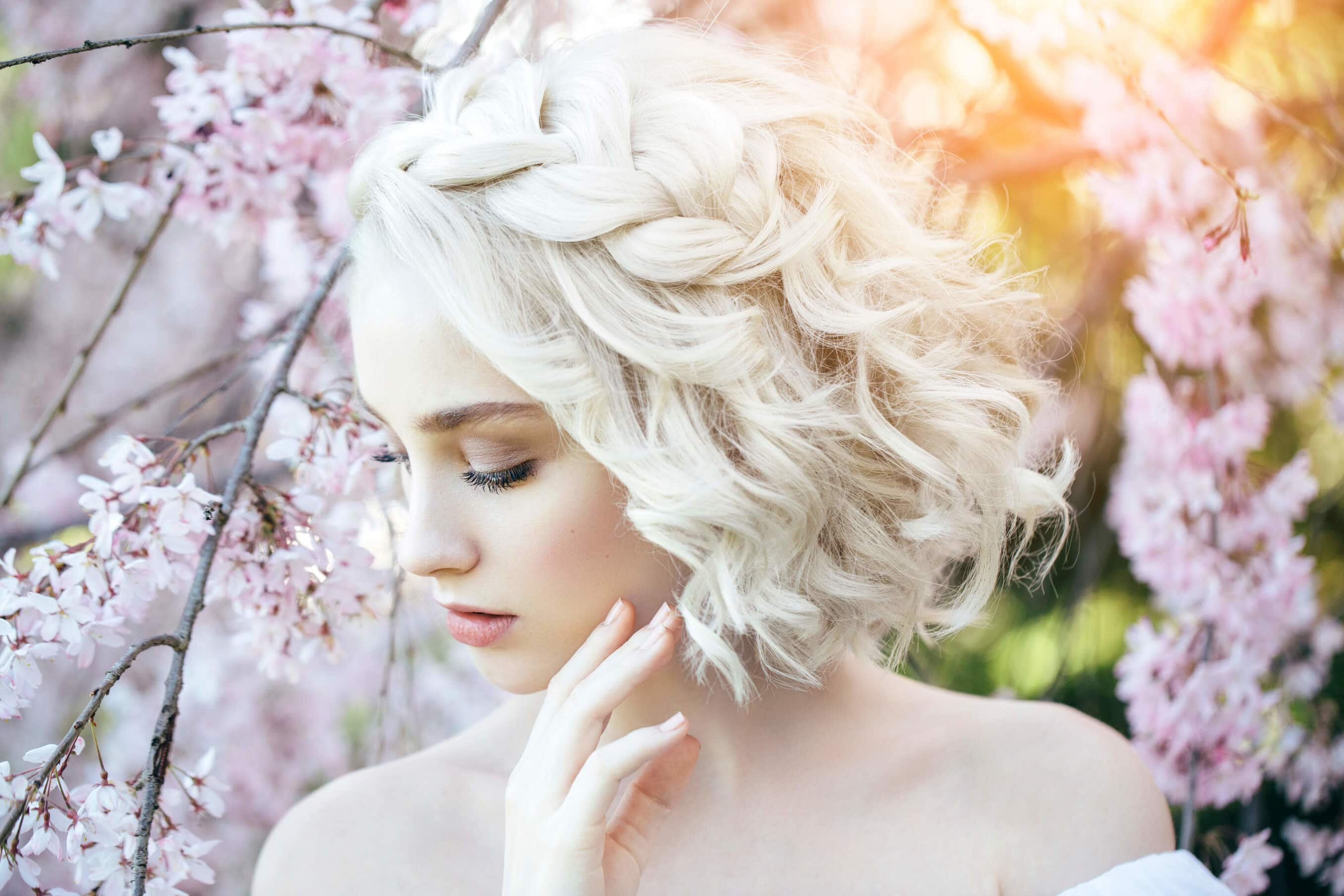 16 Elegant Hairstyles for Short Hair You\'ll Want to Wear Every Day