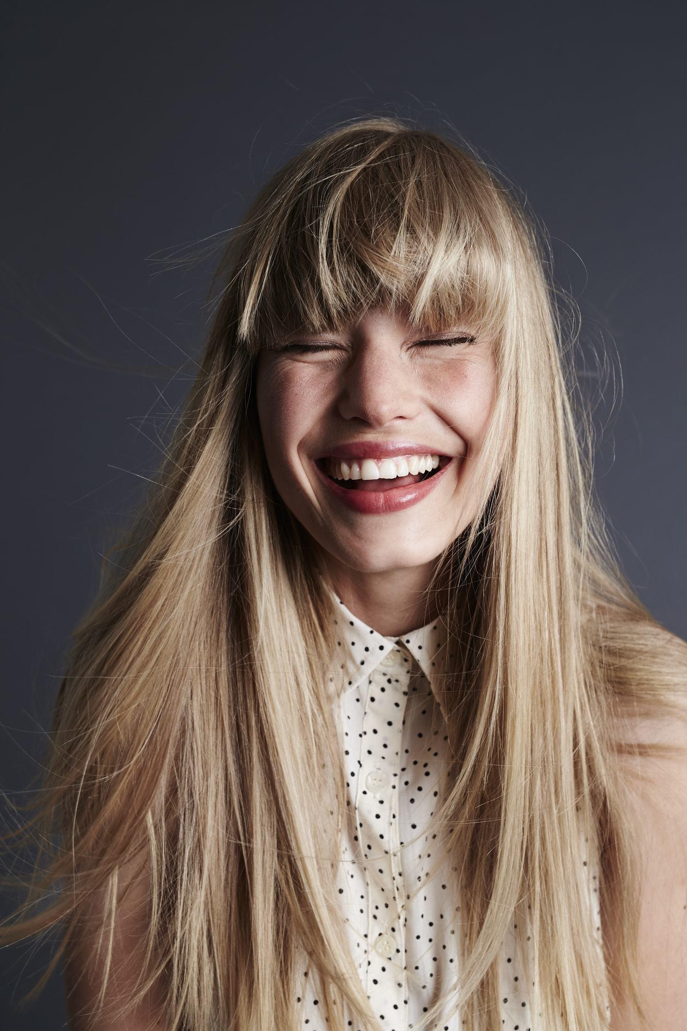 messy hairstyles blonde long straight full bangs