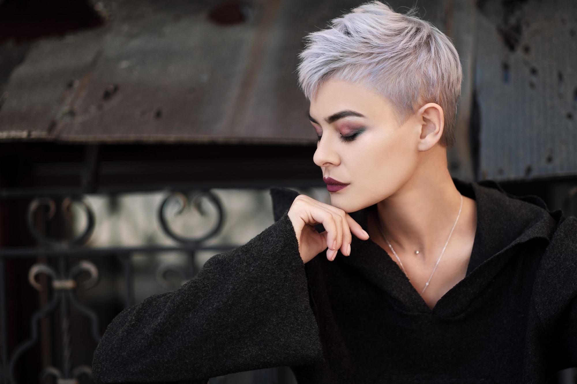 short messy hairstyles light purple pixie
