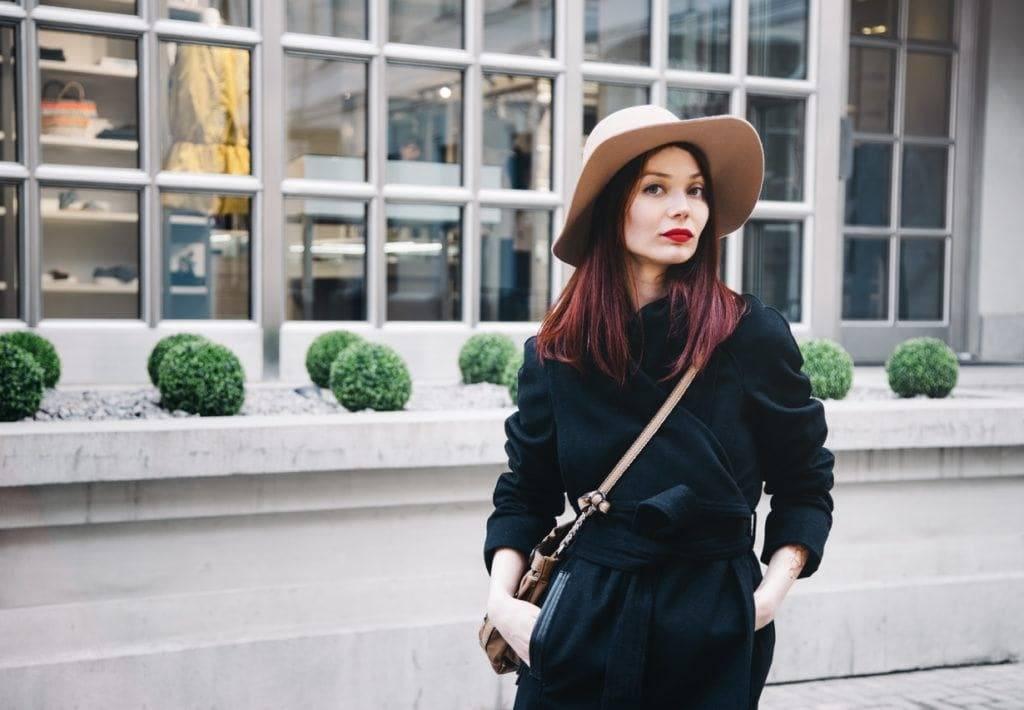 drake red hair: black cherry