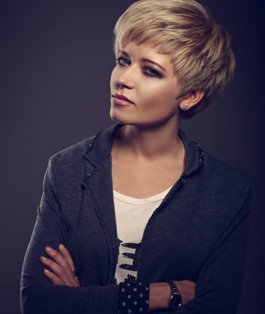 short haircuts for round faces choppy pixie