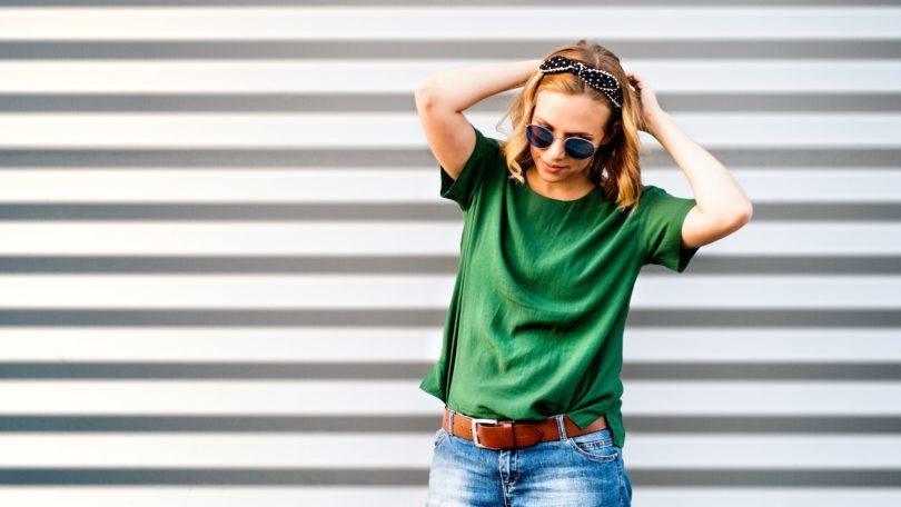 easy summer style short highlighted bob