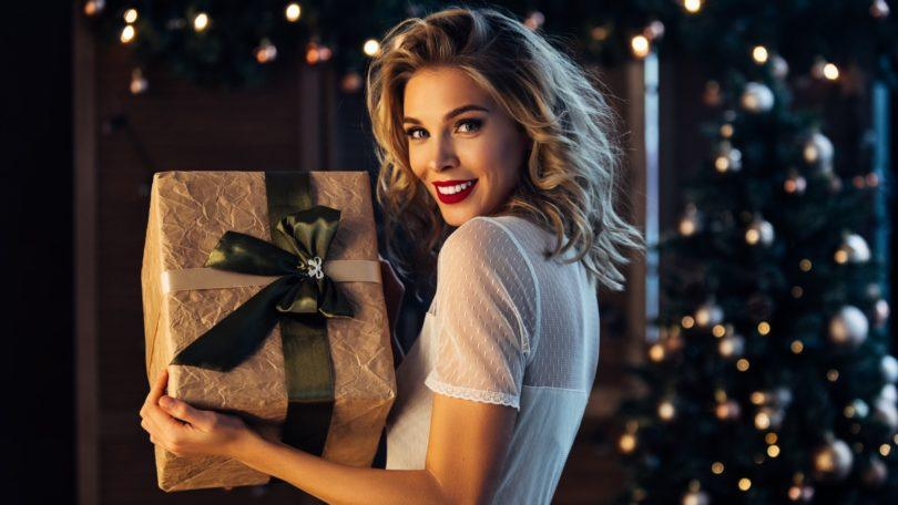 holiday hairstyles blonde curls