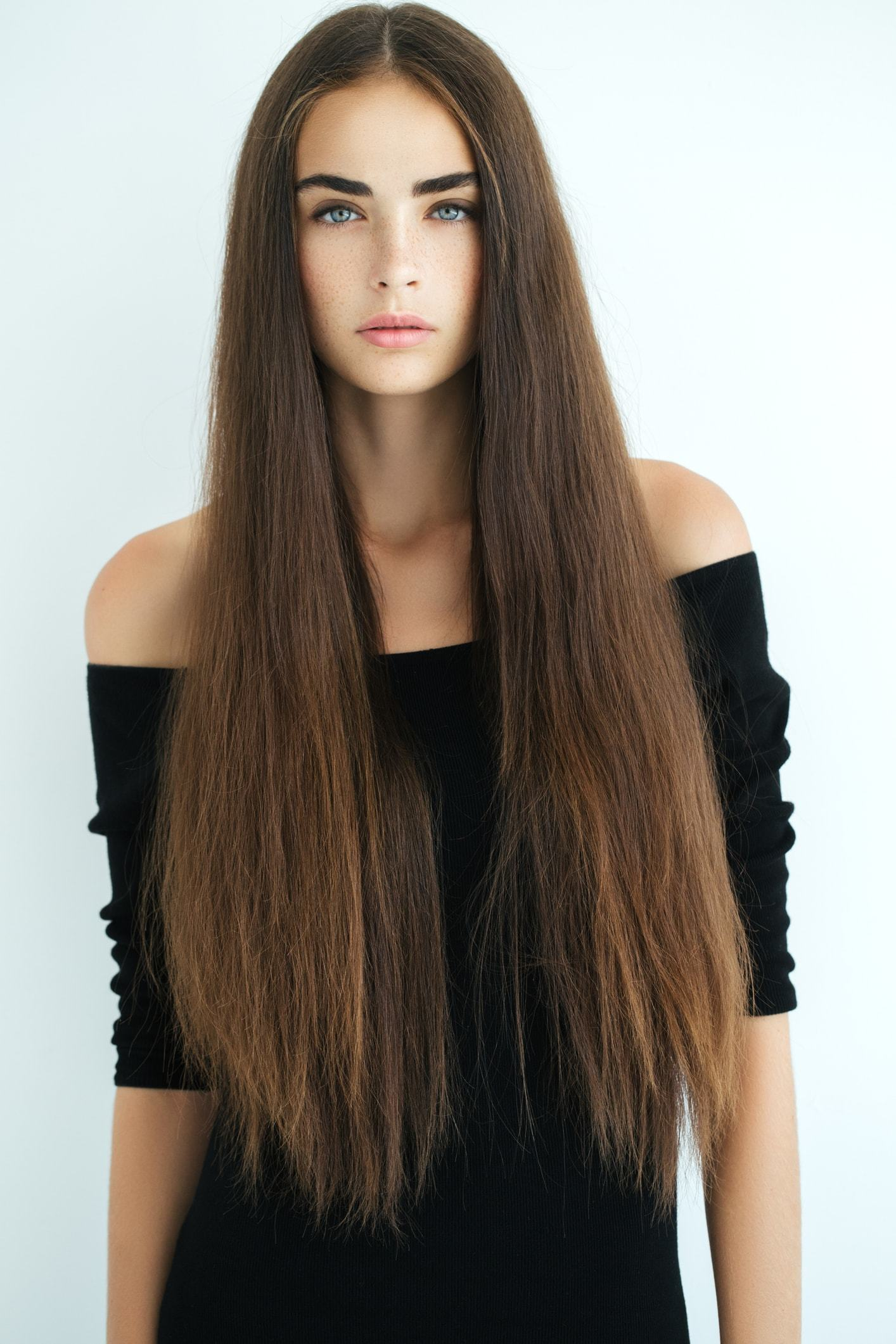 perfect middle part long thick brown hair