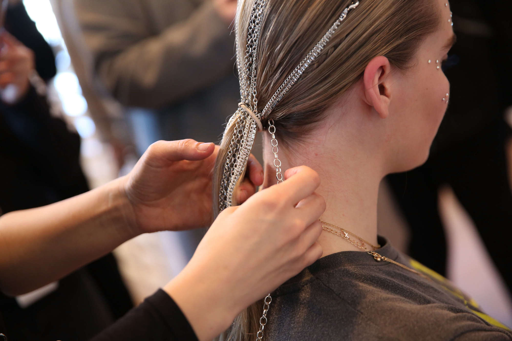 chained locks at christian siriano fw 19 ponytail