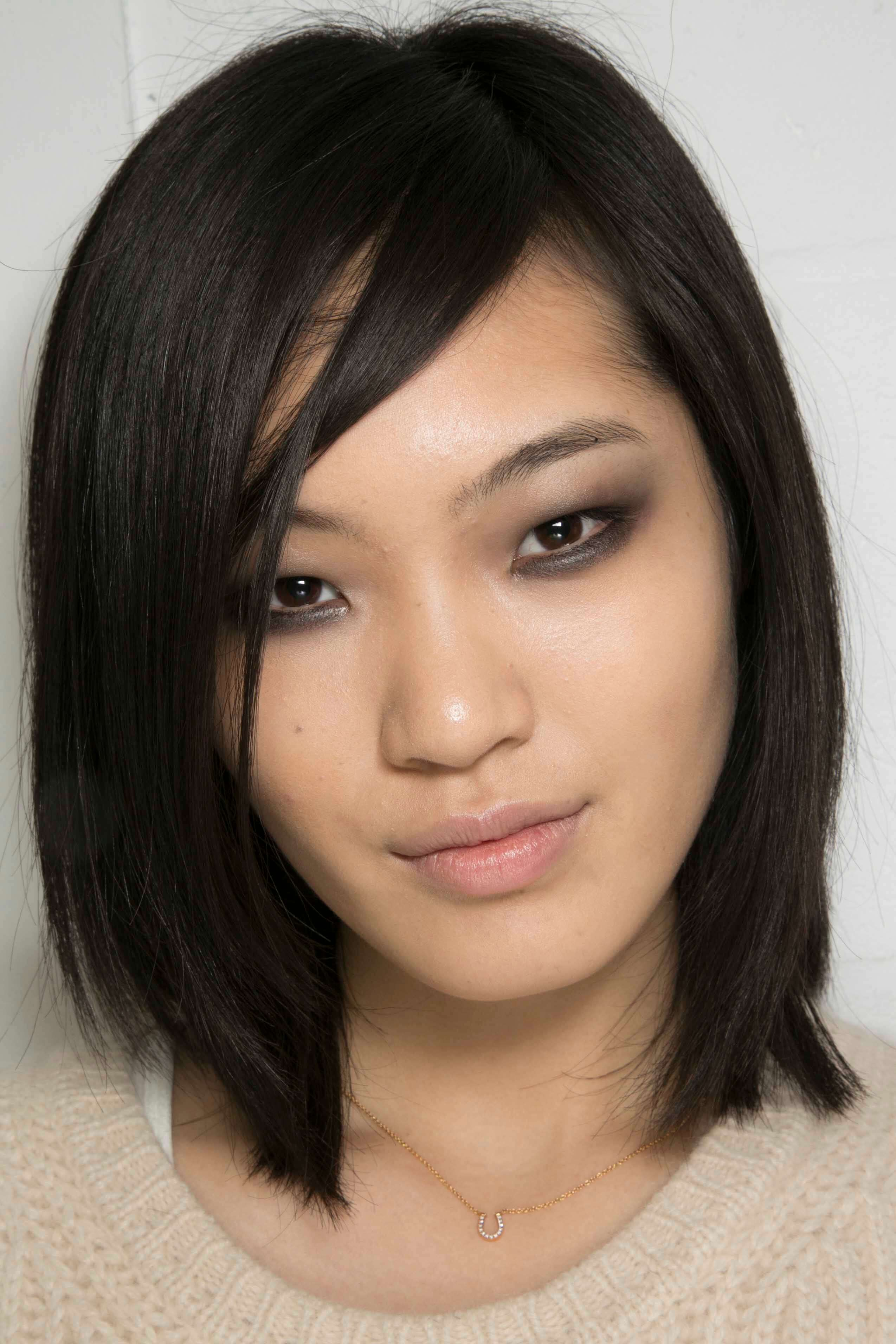 Asian lob and side fringe hairstyles for round faces