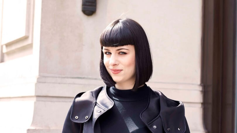 black shiort hair with a fringe street style