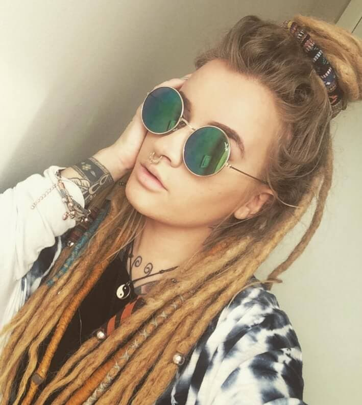 Blonde dreadlocks: How to work the look with success