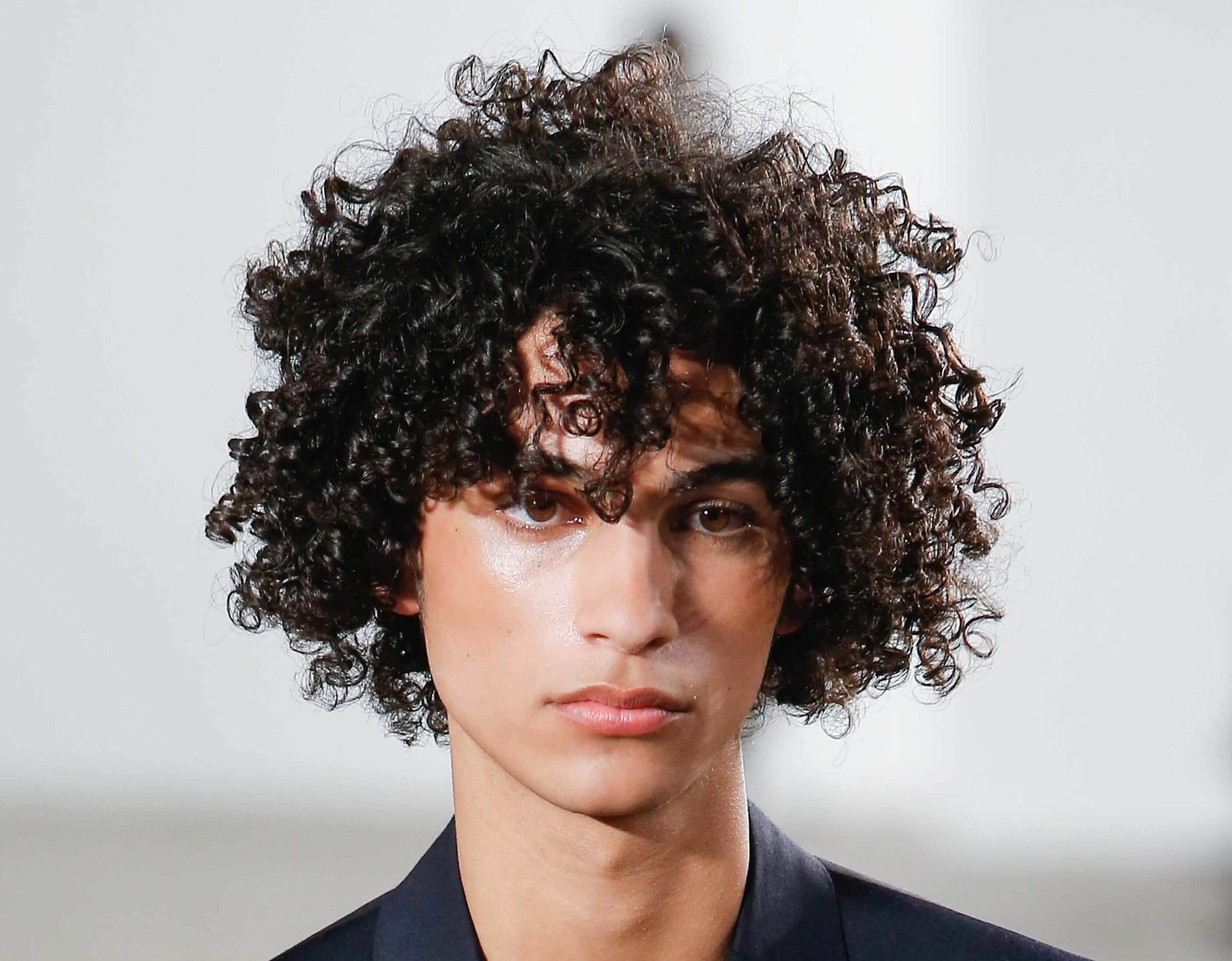 Top men s curly hairstyles from the catwalks