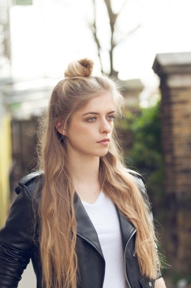 easy-hairstyles-straight-hair-hun