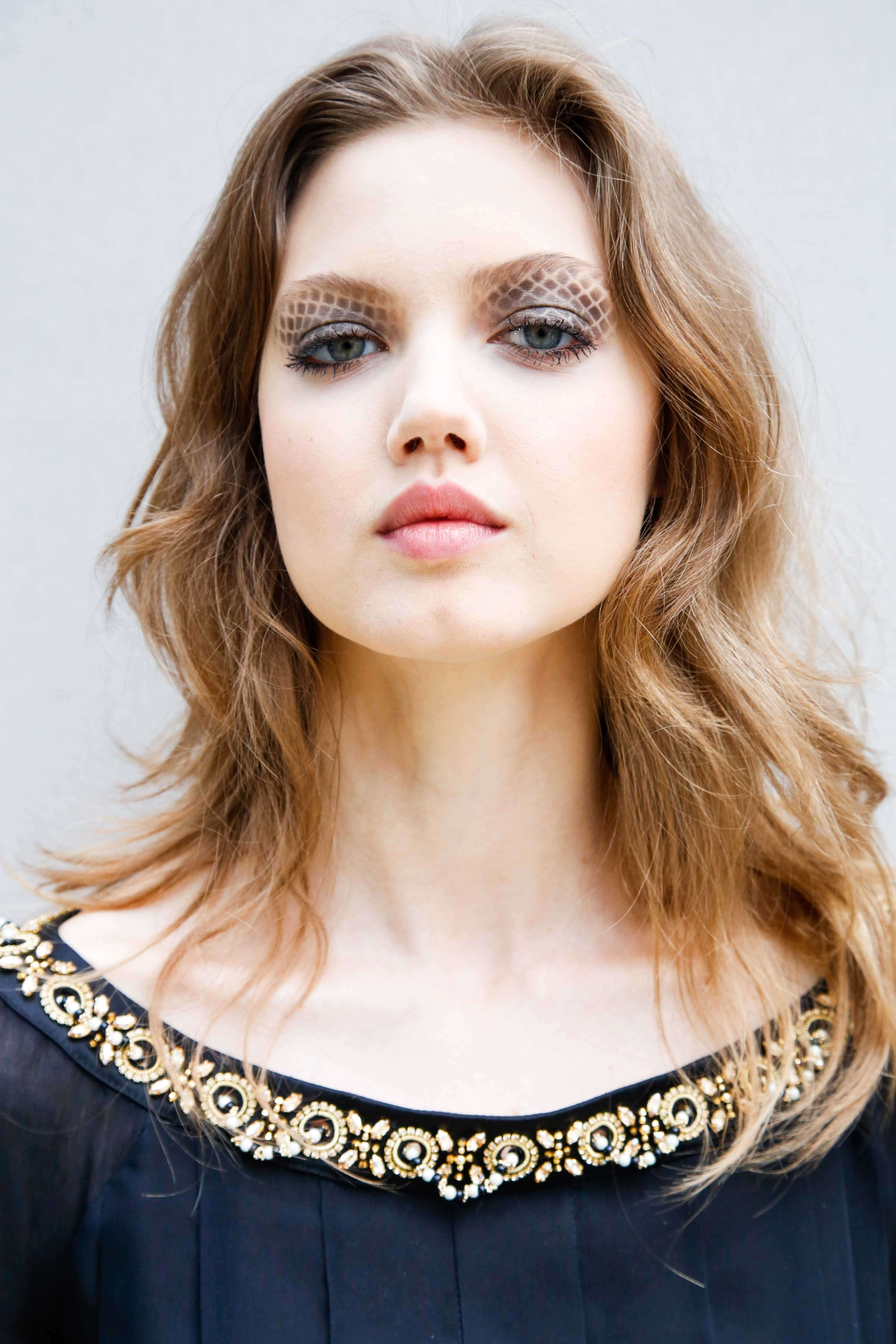 wavy long hairstyles for round faces