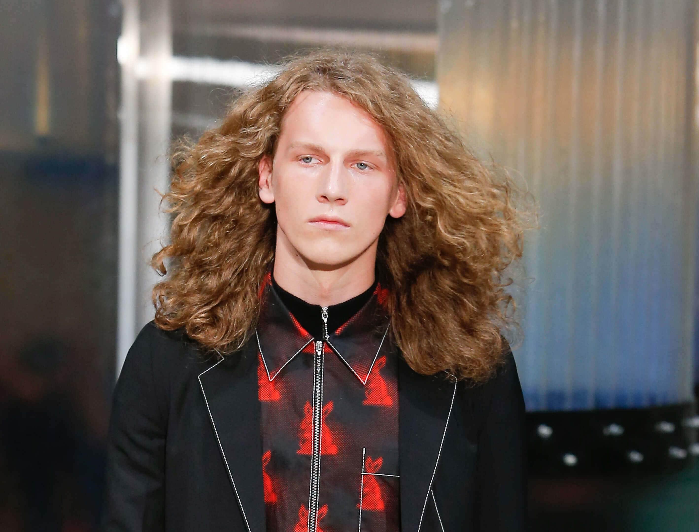 3 Catwalk-inspired Hairstyles For Long Hair Men