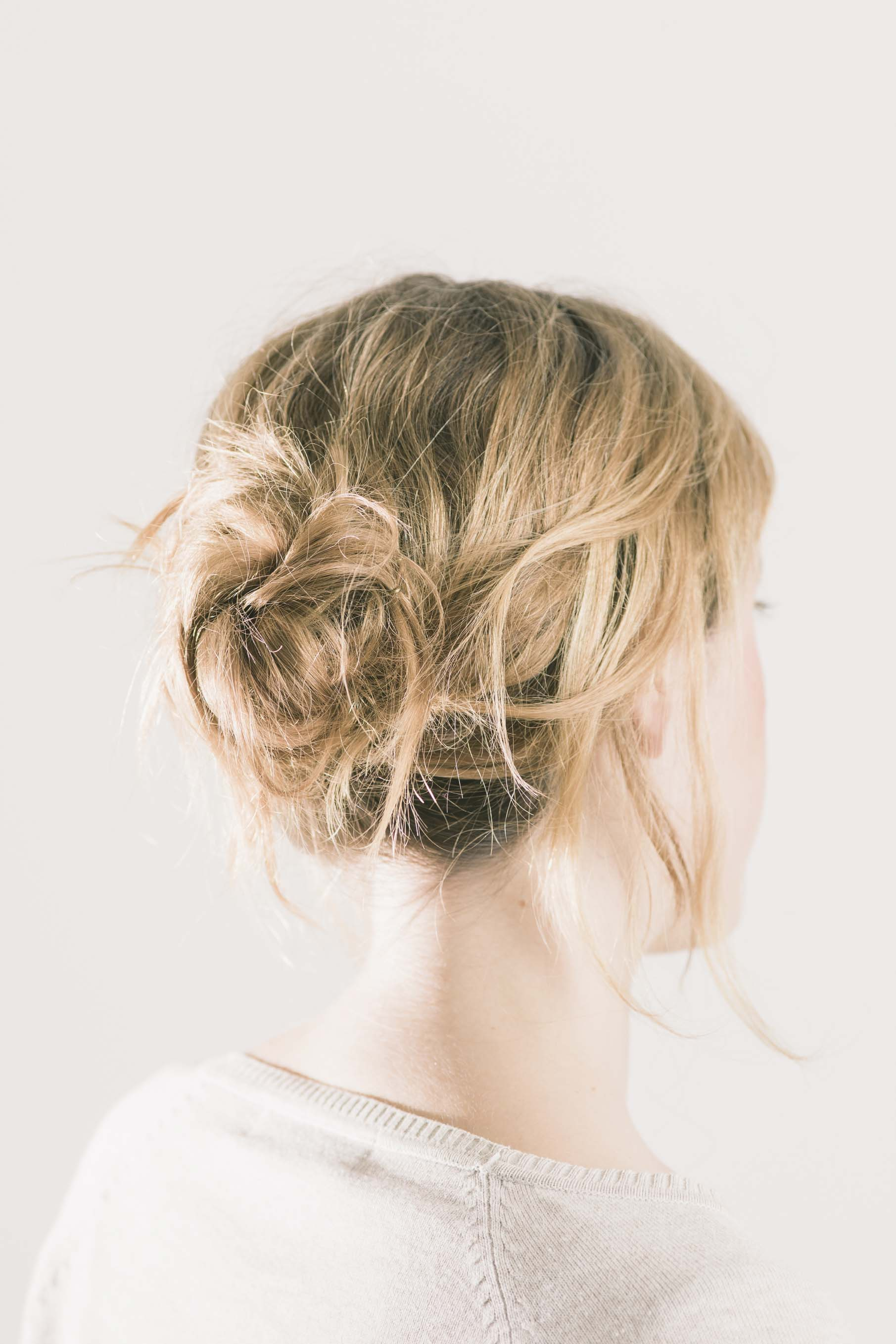 long-hairstyles-oval-faces-bun