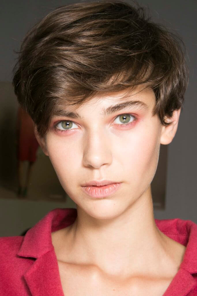 2016 short hair trends: Brown haired woman withromantic pixie cut 2016