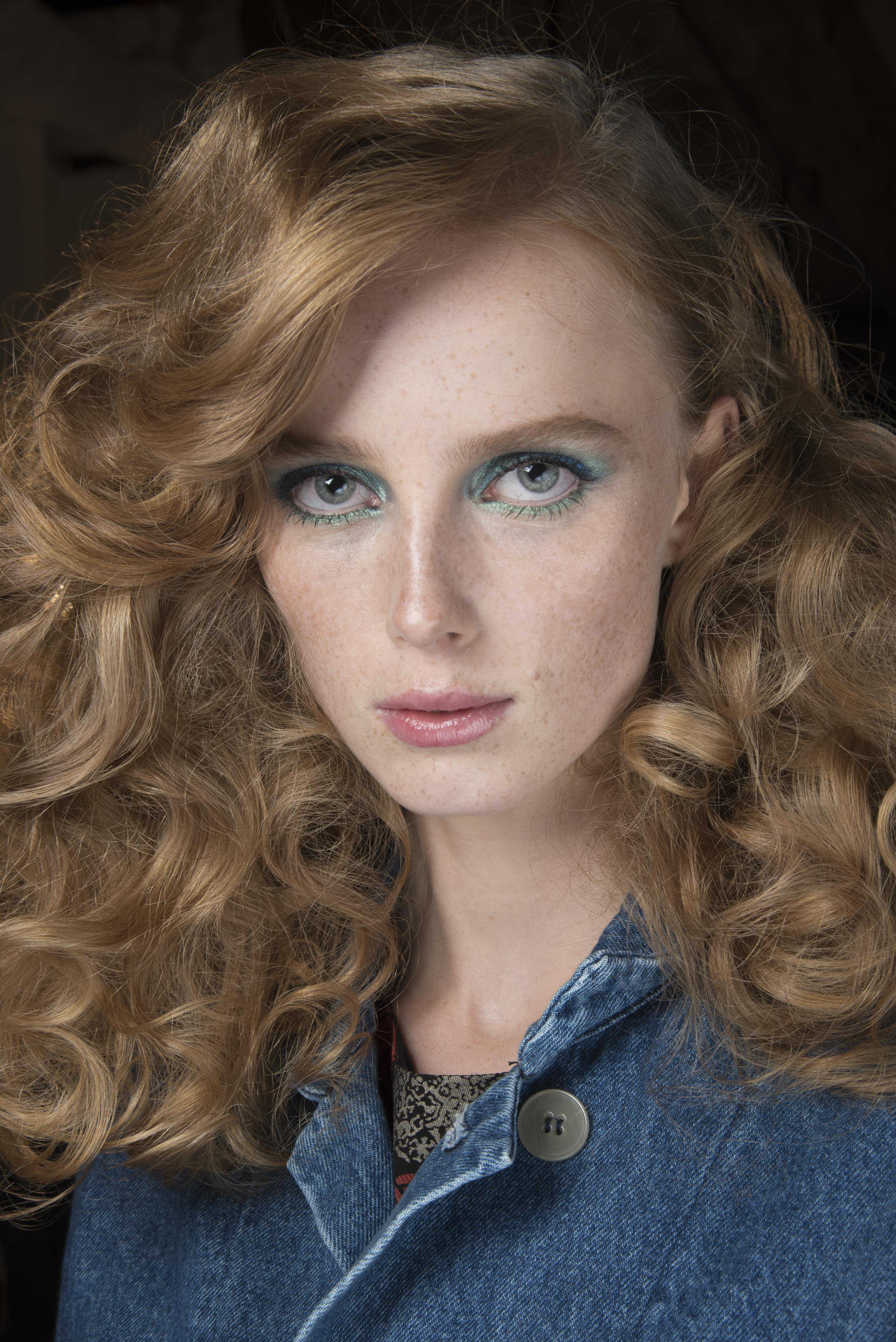 glam haircuts for curly hair