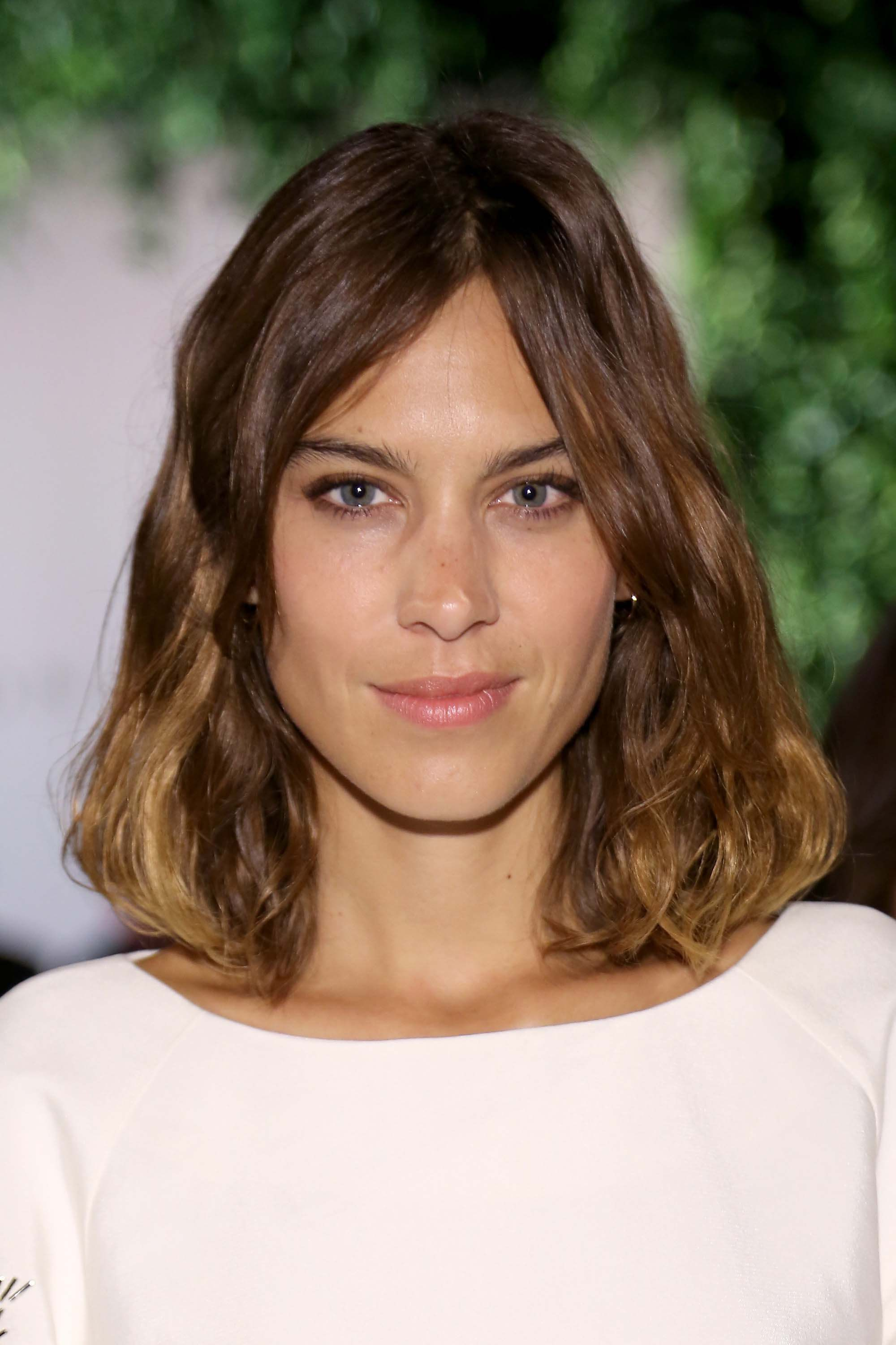 medium-hairstyles-alexa-chung