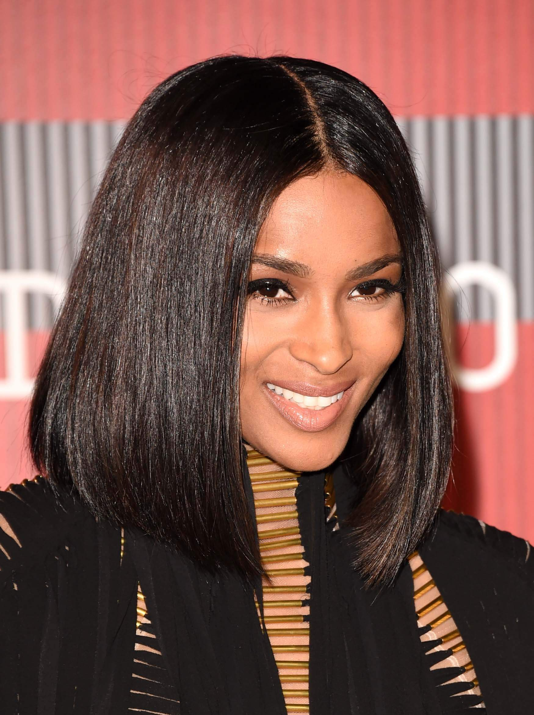 medium-hairstyles-ciara
