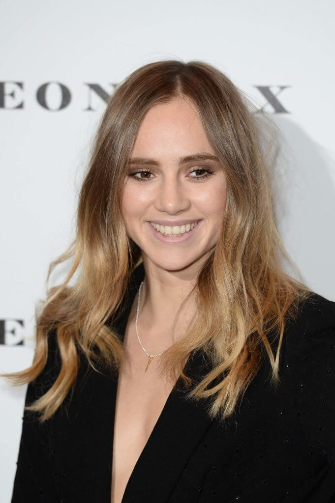 front facing image of suki waterhouse with a dark blonde ombre hair