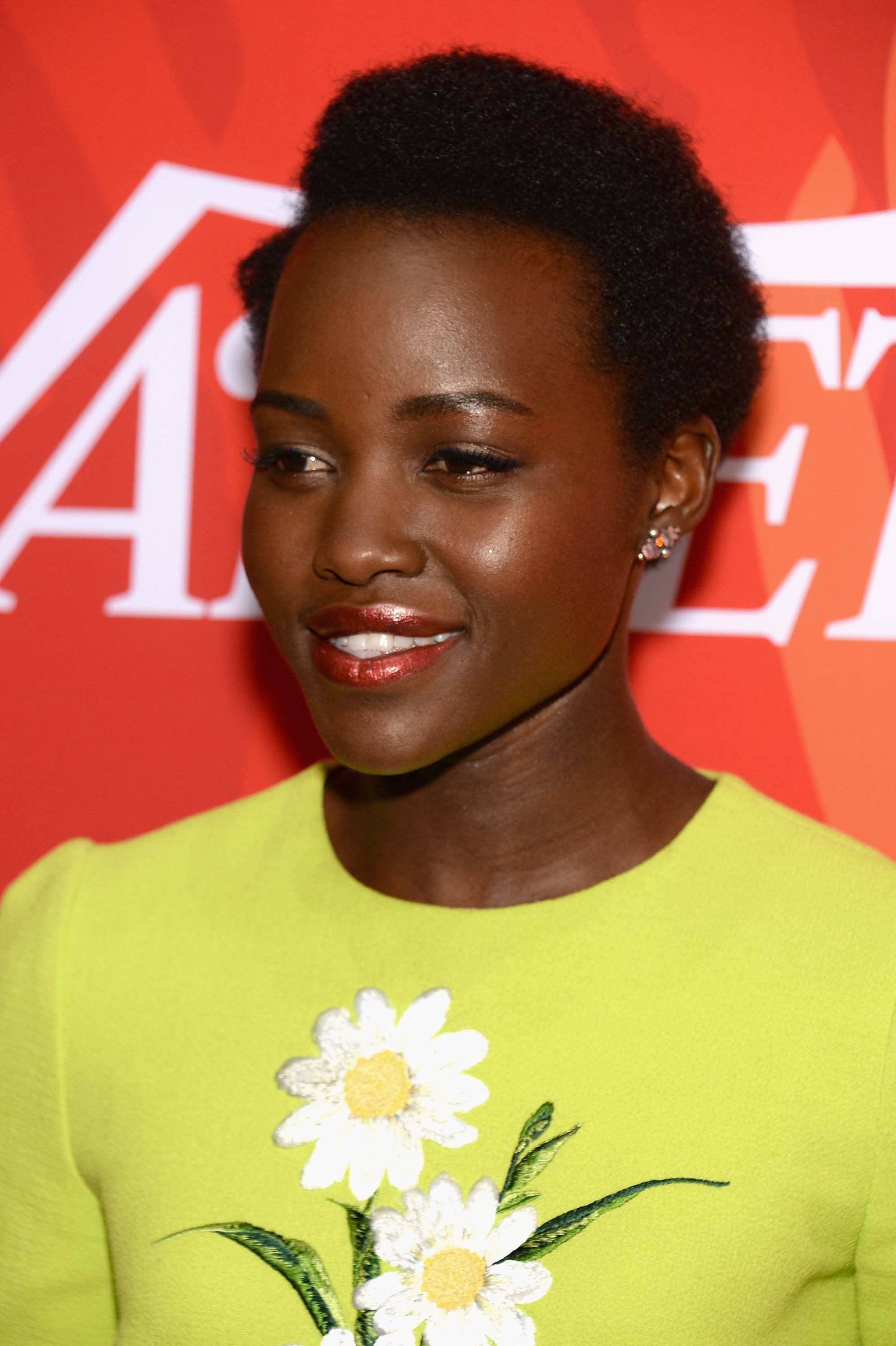 Red-carpet-inspired-evening-hairstyles-Lupita-nyong-o