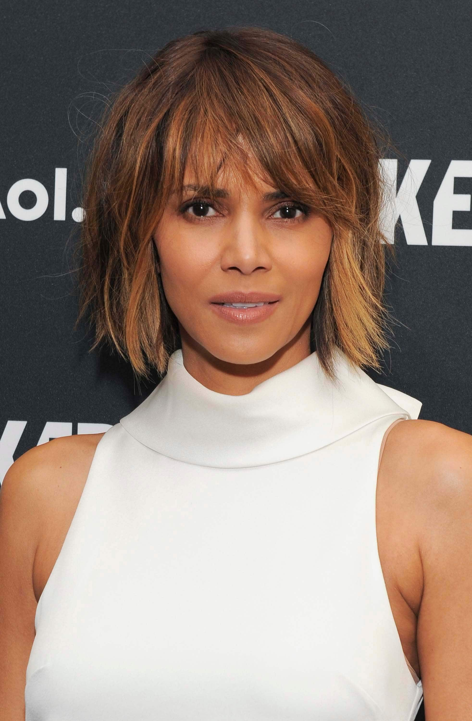 Hairstyles-for-heart-shaped-faces-Halle-Berry