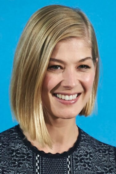 Rosamund Pike with side part graduated bob haircuts