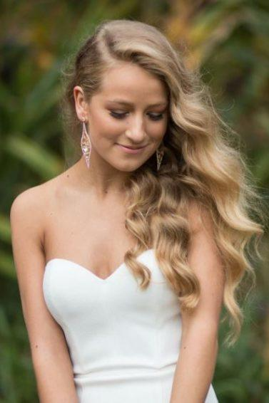 Long blonde hairstyles: All Things Hair - IMAGE - glamour waves