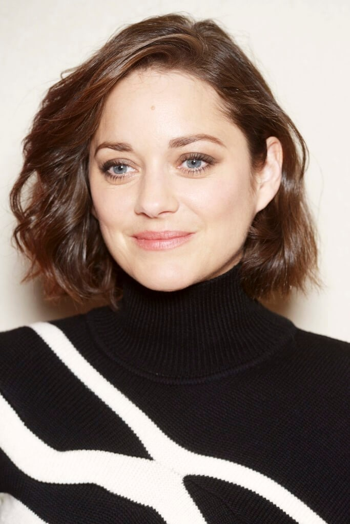smooth wavy bob short hairstyles for square faces Marion Cotillard