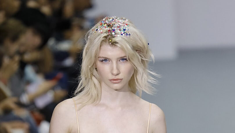 how to style short hair with glitter roots