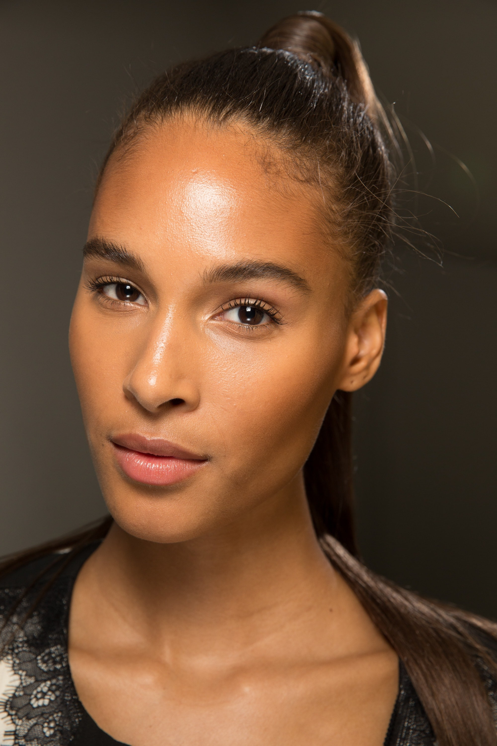 Great hairstyles to take you from desk to dinner: high ponytail