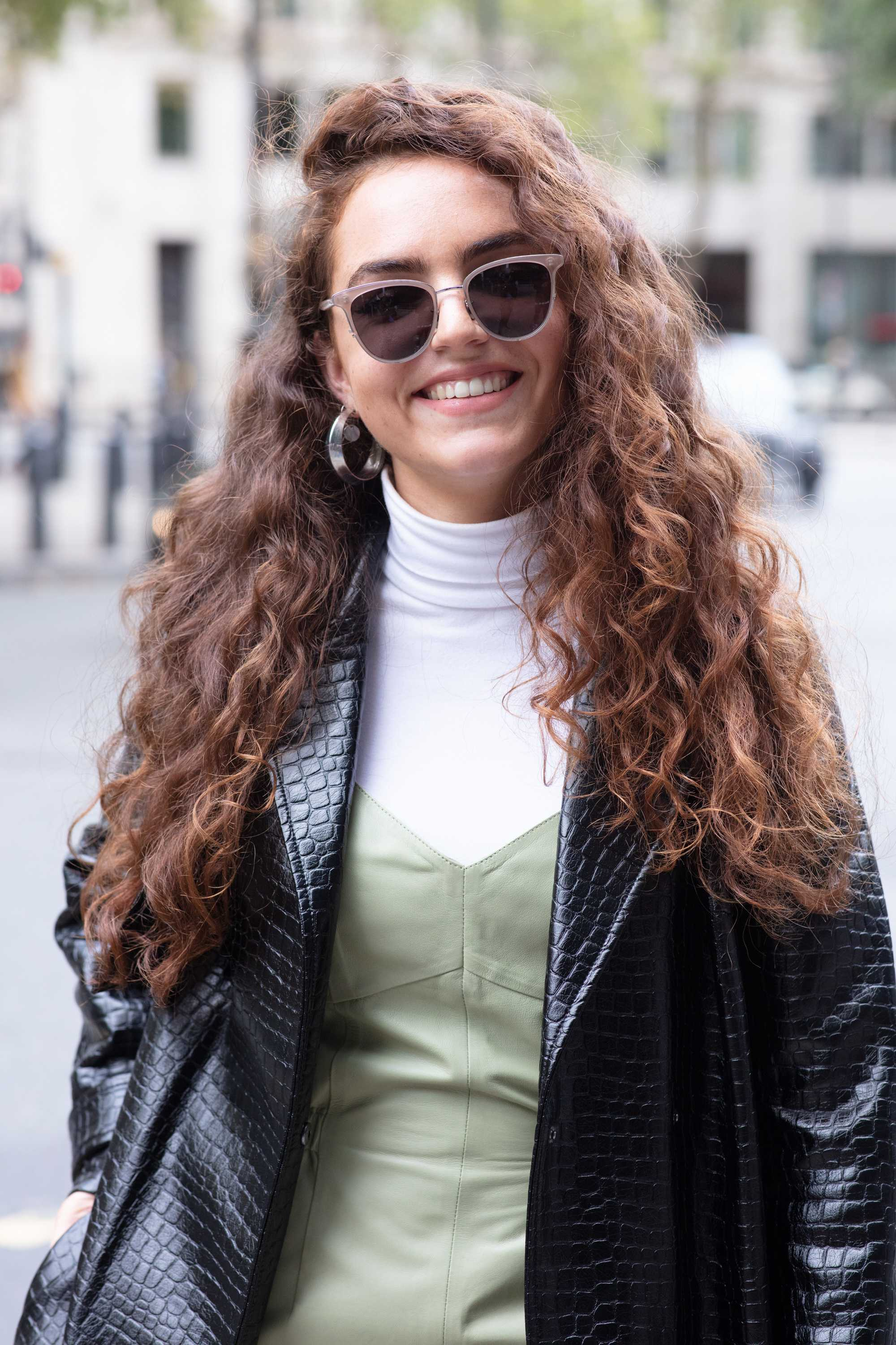 27 long curly hair ideas to add to your hair bucket list ...