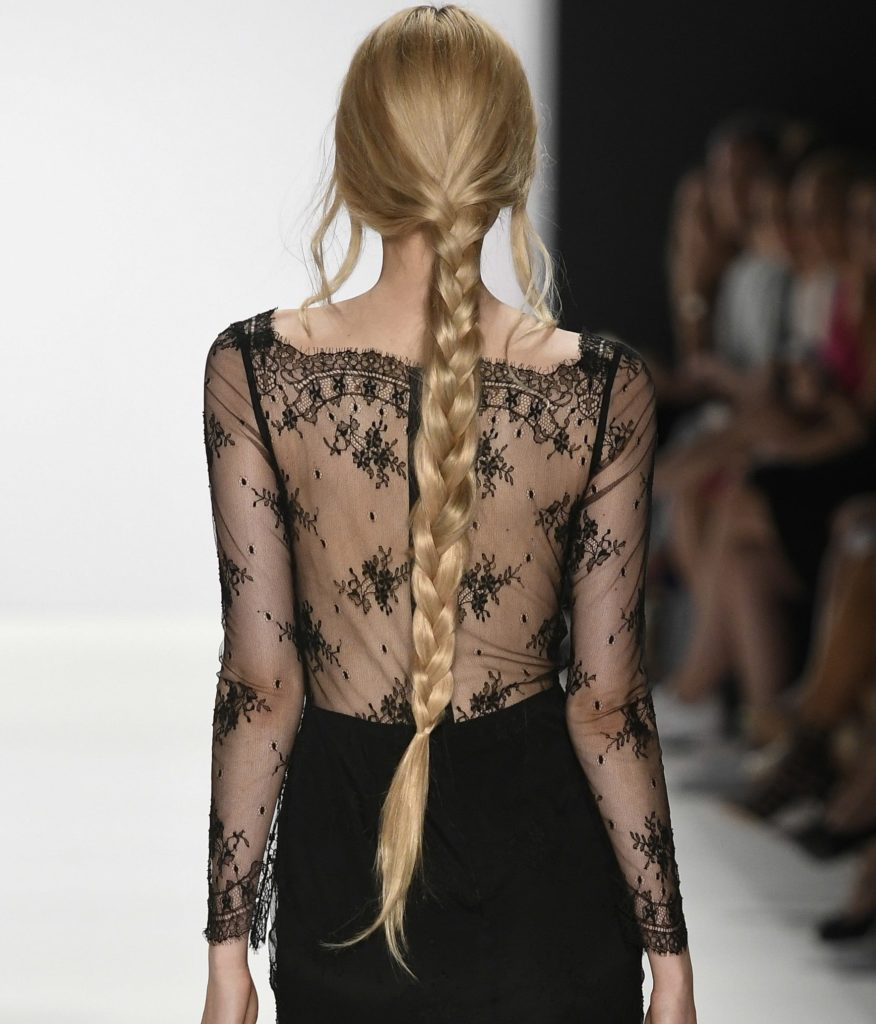 Easy hairstyles for thick hair: Thick blonde braid.