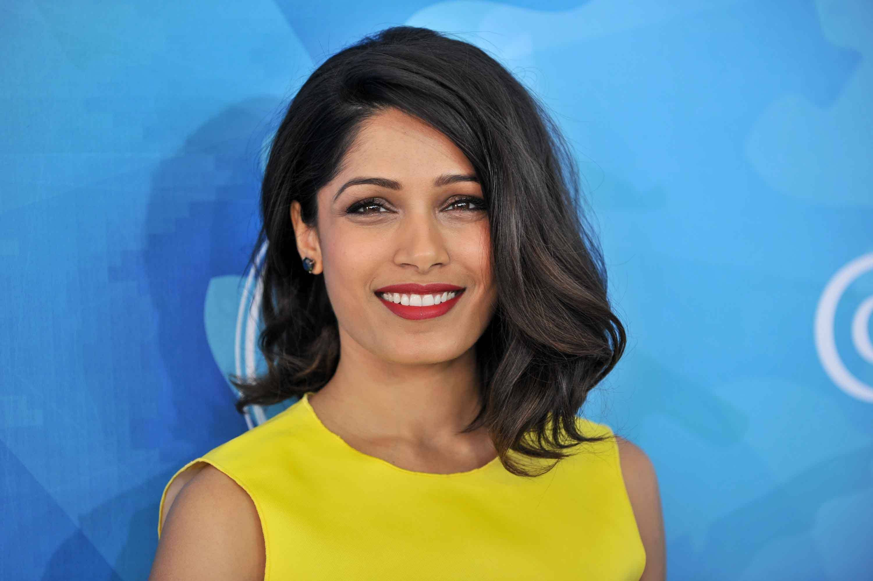 The wavy bob: 10 Perfect examples of playful glamour Freida Pinto