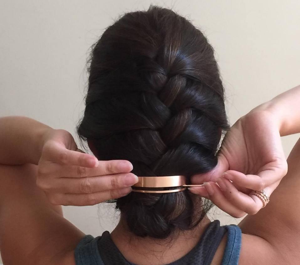 Bun hair: Hair bun cuff dark hair