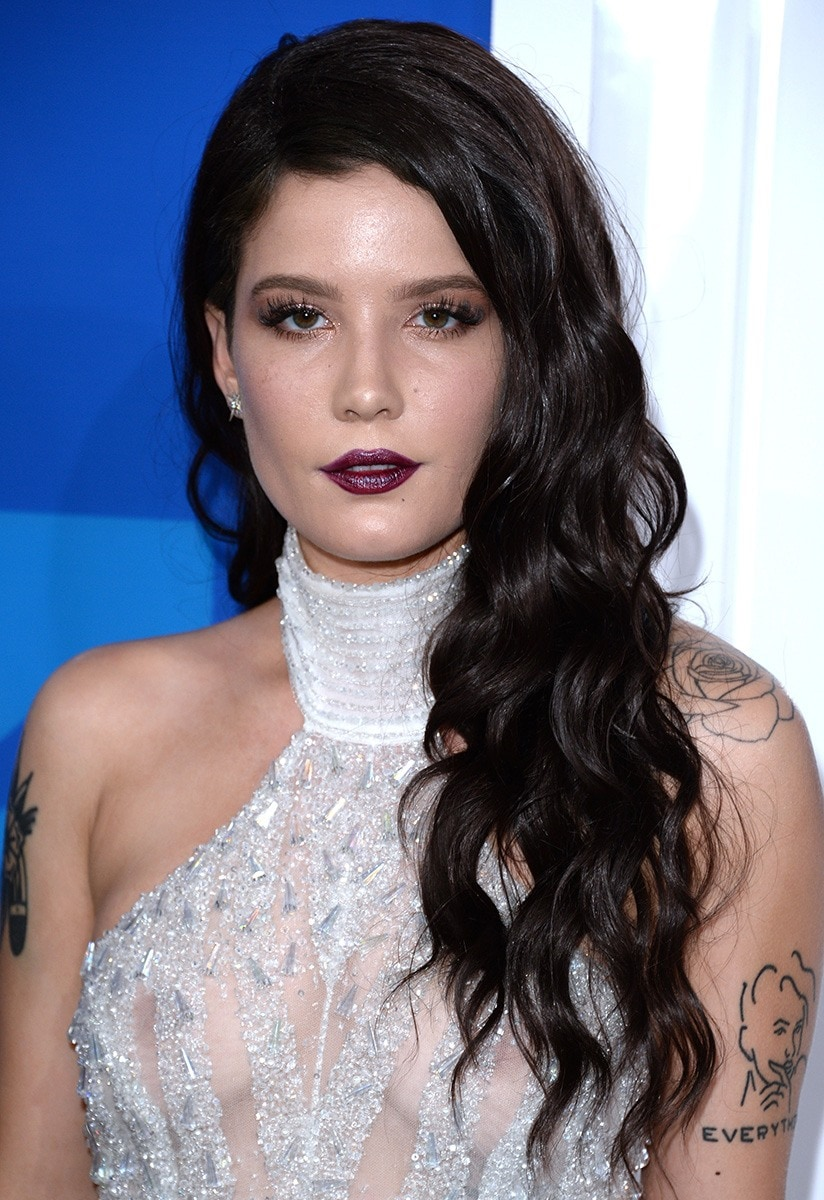 Halsey At The Vmas The Long Locks That Shocked Everyone