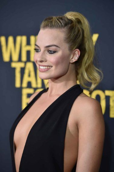 Margot Robbie hairstyle: ponytail