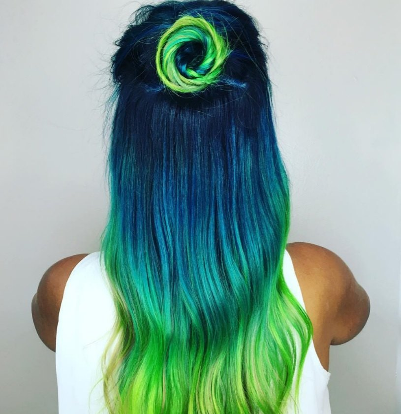 This Peacock Hair Colour Trend Is Going Viral - Peacock hairstyle color
