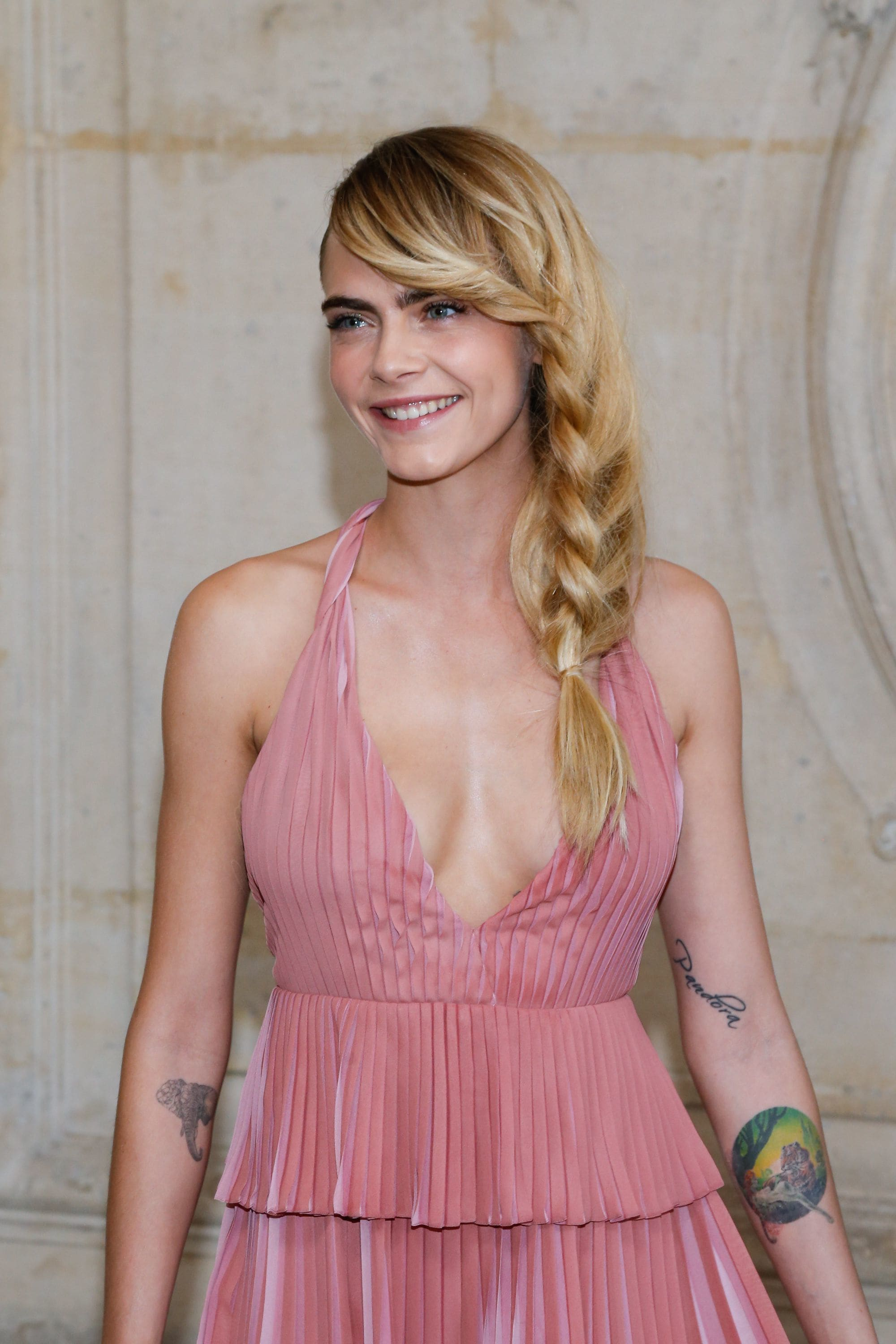Thick hairstyles: Shot of Cara Delevinge