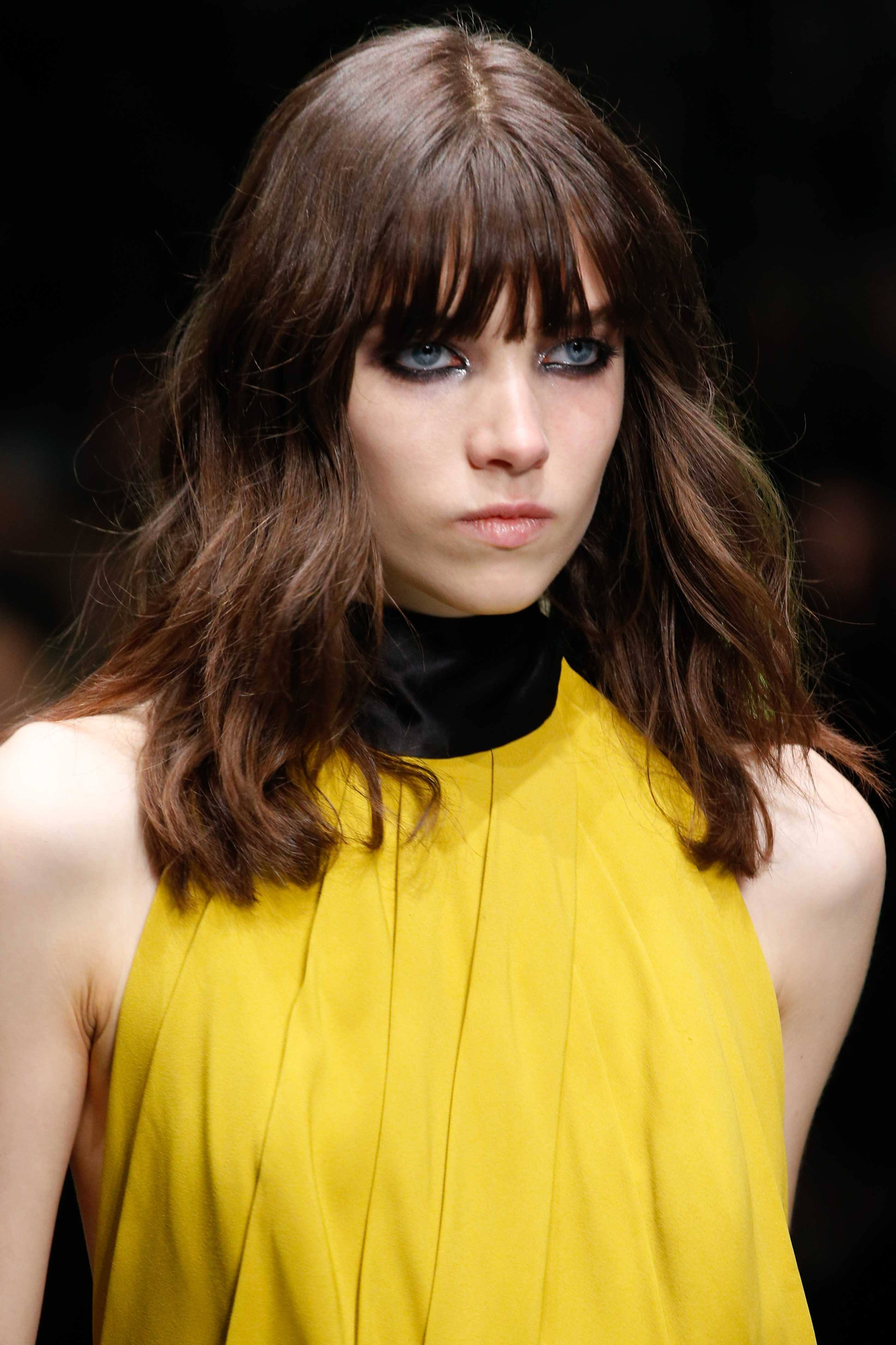 Medium Length Haircuts For Thick Hair You Should Try Now