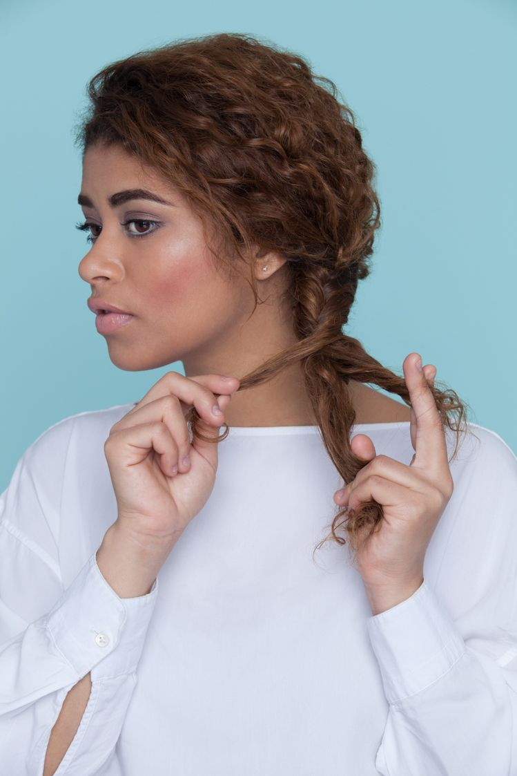 Easy hairstyles for back-to-school: fishtail braid on curly black hair